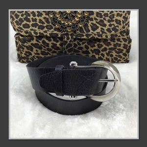 GUESS BLACK LEATHER BELT WITH SILVER BUCKLE S